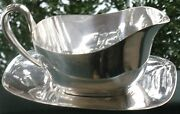 Vintage Collectible Reed And Barton Silver Plate Sauce Boat W/under Plate Embassy