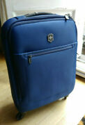 Victorinox Avolve 3.0 Global Carry On Trolley Suitcase Luggage Bl