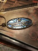 Key Ring Anheuser-busch Collectors Club Metal Oval 3andrdquo Blue Background