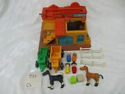 Vintage Fisher Price Little People Play Family Western Town 934 Horse Wagon Oh