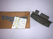 335380 New Genuine Oem Johnson Evinrude Outboard Steering And Shift Bracket Lot M1