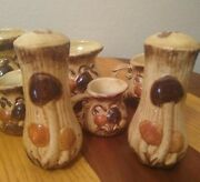 Vintage Ceramic Mushroom Salt And Pepper Shakers And 5 Measuring Cups 1c To 1/8c