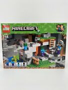 Factory Sealed Lego 21141 Minecraft The Zombie Cave 241 Pieces Building Kit
