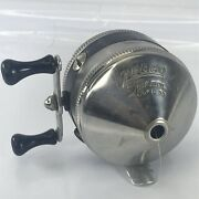 Zebco 33 Classic Feather Touch Spincast Spinner Vtg Reel One Rivet All Metal Usa