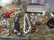 Lot 500 Mixed Vintage Costume Plastic,wood Jewelry Bead Necklaces,bracelets,more