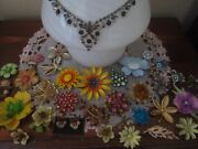 Lot Of 35 Beautiful Rhinestone Vintage High End Brooches