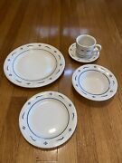 Longaberger Pottery Woven Traditions Classic Blue 5 Piece Complete Place Setting