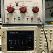 Tektronix 114 Pulse Generator Period 1andmicros-100ms / Width 100ns-10ms /1v-10v Tested