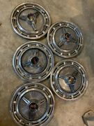 Vintage Chevrolet 1964 Impala Hubcaps Set Of 5 Great Condition Ss