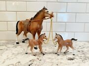 1950s Hard Plastic Horse With Babies On Chains With Saddlesw 2152