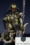 Rare Limited The Wolf Predator Alien Resin Action Figure Statue Christmas Toys