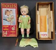 Tickles Battery Operated Laughing Vintage Doll Works 1960 Deluxe Reading Boxed