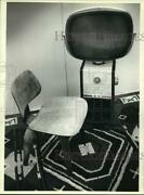1983 Press Photo Charles Eames Molded Chair And Philco Predicta Tv From 1950s