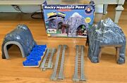 Lionel Train Set 2001 Rocky Mountain Pass Vintage Learning Curve Accessory Set