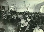 1982 Press Photo Dizzy Gillespie Speaks At Wisconsin Conservatory Of Music.