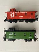 Ho Athearn Cupola Caboose Burlington Northern Bn And New Haven Nh Set Of 2