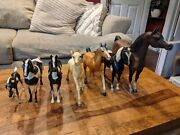 Vintage Lot Of 7 Plastic Toy Horses And Foals - Various Sizes And Types Vtg