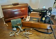 Vtg Singer Sewing Machine+bentwood Case ⭐ W/original Attachments/oil Can⭐
