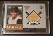2000 Ud A Piece Of History 3000 Hit Club Roberto Clemente Game Used Bat Card