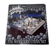 Vintage New Universal Monsters Chess Set In Original Box-rare See Close-up Pics