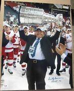 Scotty Bowman Red Wings Holding Stanley Cup Signed 16x20 Photo Psa/dna Hhof 91