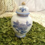 VINTAGE BEAUTIFUL ASIAN GINGER JAR HAND PAINTED BLUE GOLD ACCENT NICE QUALITY