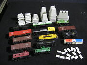 Lot Of 14 Vintage Railroad Cars Tankers Ho Athearn Bachman Etc And 45 Bridge Piers