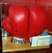 Muhammad Ali Single Signed Everlast Boxing Glove W/ Certificate Of Authenticity