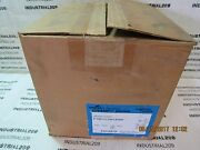 Cooper Crouse Hinds Led Light Pvm11ldm1/unv 137 Watts Mod M1 New In Box