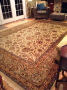 Indo-agro 9.10 X 13.8 Indian Hand-woven 100 Wool Rug.