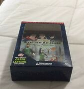 Justice League The New Frontier Dvd 2-discs With Green Lantern Figurine Dc