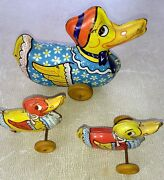 Vintage 1930's Wyandotte Tin Metal Duck Pull Windup Toy And 2 Babies