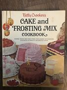 Vintage Betty Crocker's Cake And Frosting Mix 1966 Cookbook Recipes Old School
