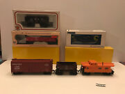 Lot Of 6 Ho Scale Cars, Box Cars, Ore Cars, Caboose Bachmann, Accurail, Ihc