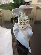 Lladro 5862 Fragrant Flower Collectible Figurine Spain Girl Flowers Hat Mint