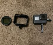 Gopro Hero5 Hd Black Edition Action Camera + Lens + Backpack Strap Attachment