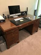 Stow Davis Lawyer/judges Desk In Great Condition