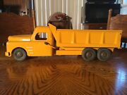 1950and039s Structo Yellow Tandem Axle Dump Truck - 20-1/2 Lomg Working Condition