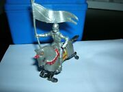 Marx 1953 54mm Knight W/banner Mounted Running Horse Playset Castle