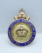 Antique 1917 15ct Gold The Honorary Justices Association Victoria Pendant Medal