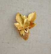 Vintage Wells 12k Gf Strawberry Brooch Pin Dimensional Berry 3d Realistic Goldto