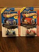 Hot Wheels Bump Around New For 2013 Two Types Blue And Red 145/250 Hw Racing.