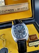 Vintage 1976 Bulova Accutron Day And Date Blue Dial With Original Box Signed 4x