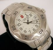 Swiss Army Swiss Made Diver Wristwatch Stainless Steel Date 25572 Victorinox