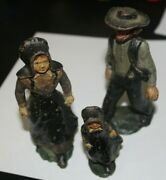 Vtg Cast Iron Amish Man Woman 5 In Tall Child 3 In Tall Old Order Mennonite -m