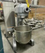 A-200 Used Hobart 20 Quart Commercial Stand Mixer With Bowl