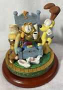 Danbury Mint Garfield And Odie Oh What A Beautiful Morning Music Box W/ Base/issue