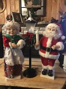 Santa And Mrs Claus With Lighted Lamp Post
