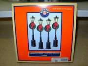 Lionel Set Of 4 Christmas Lighted Street Lamps W/wreaths 6-37907