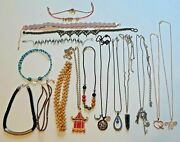 Lot Of 16 Chokers And Necklaces With Stones Beads Pendants.